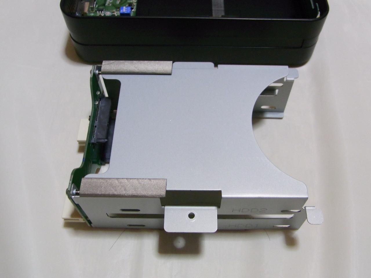 CG-HDC2EUS31-W のHDDトレイを取り外したところ